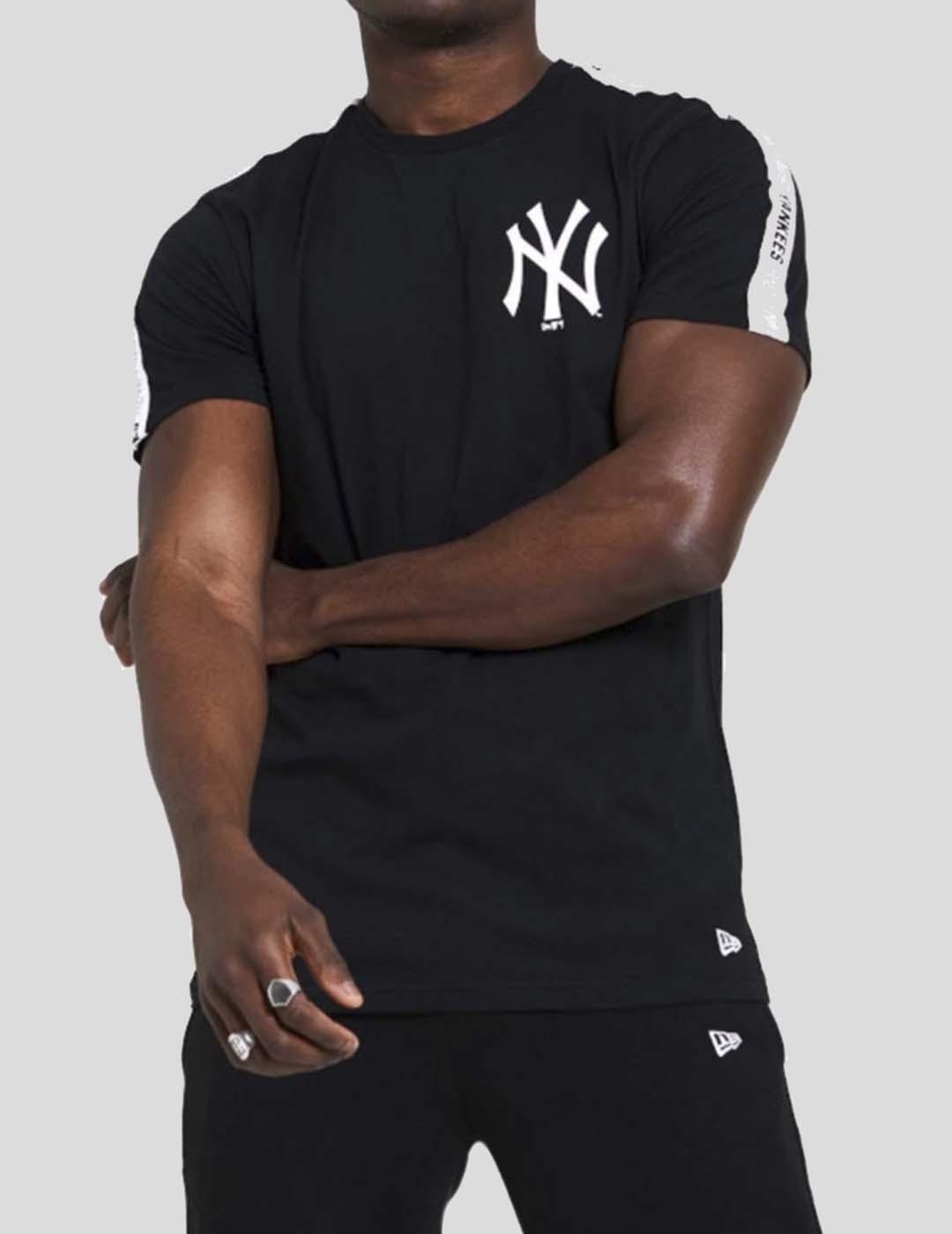 CAMISETA NEW ERA MLB SLEEVE TAPING NEEYAN TEE BLACK WHITE