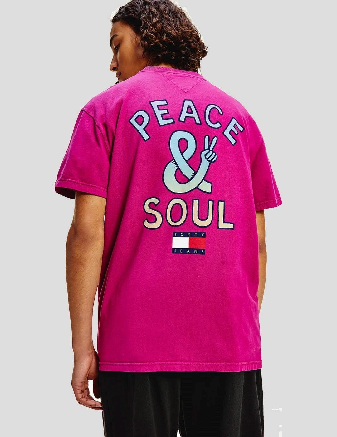 CAMISETA TOMMY JEANS PEACE AND SOUL TEE VIOLET