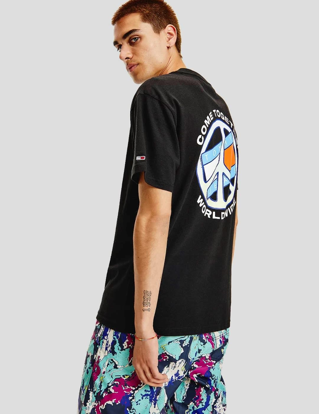 CAMISETA TOMMY JEANS TOGETHER WORLD PEACE TEE BLACK