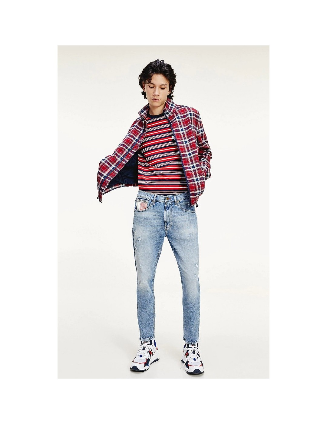 PANTALÓN TOMMY JEANS REY RELAXED TAPERED PANT PHILLY LIGHT BLUE
