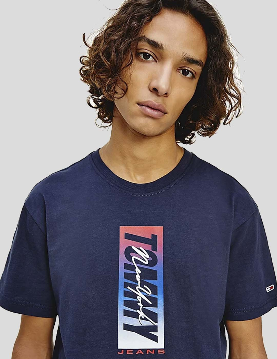 CAMISETA TOMMY JEANS VERTICAL FRONT LOGO BOX TEE TWINGLITH NAVY